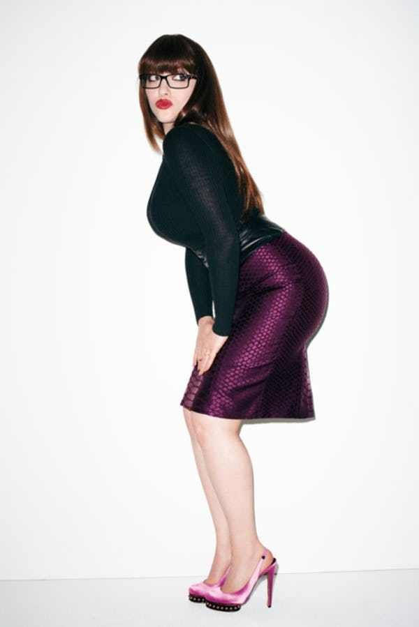 "Photos of Kat Dennings, among Hollhywood's hottest women, largely due to Kat Denning's best ""assets."" Fans will also enjoy these TMI facts about Kat Denning's sex life. Kat Denning is the American actress best known as Max Black on the CBS sitcom 2 Broke Girls, where s..."