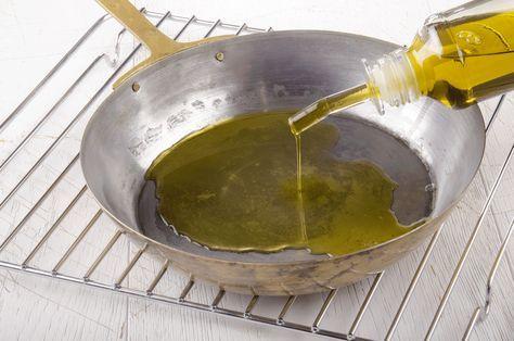 Eisenpfanne richtig einbrennen  #Eisenpfanne #Tipps #Küche #kochen #Pfanne #graeweshop #Tricks #einbrennen #Eisen