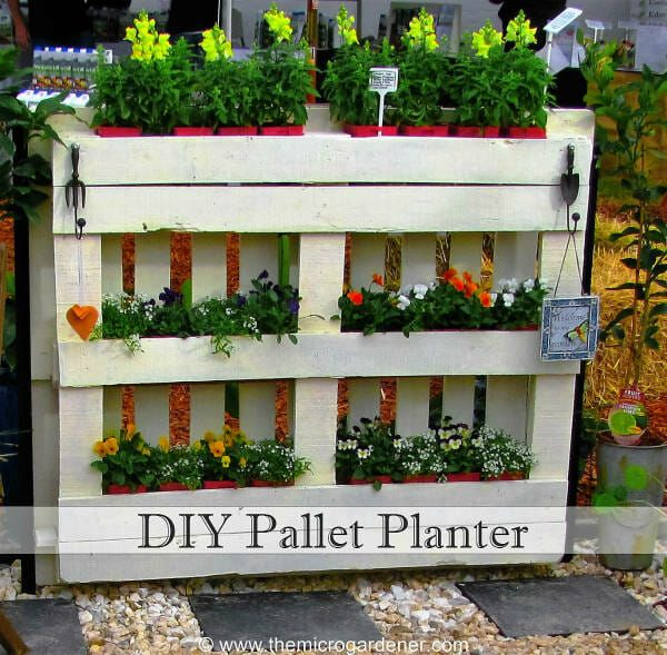 How to Make your own DIY Pallet Planter garden. A simple 5 STEP TUTORIAL with easy-to-follow instructions + photos. Upcycle a pallet into a vertical garden.