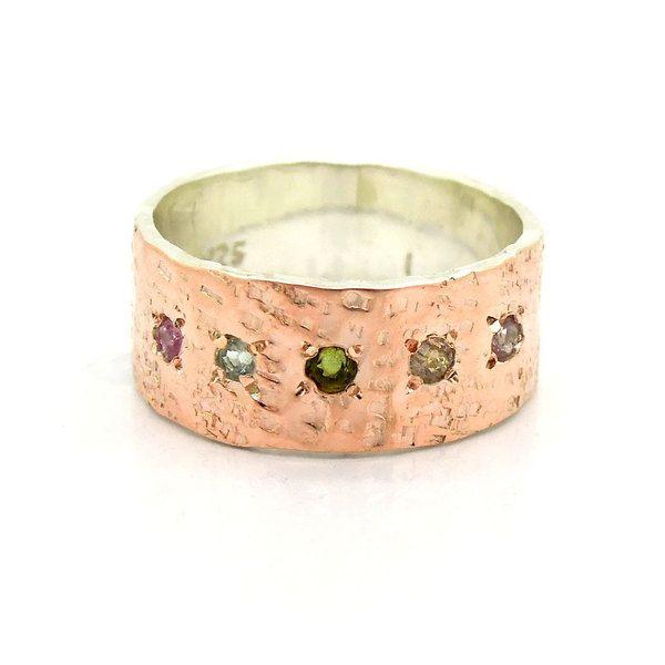 Turmalin Ring gehämmert setzen Rotgold und Silber von Hadas Jewelry ...