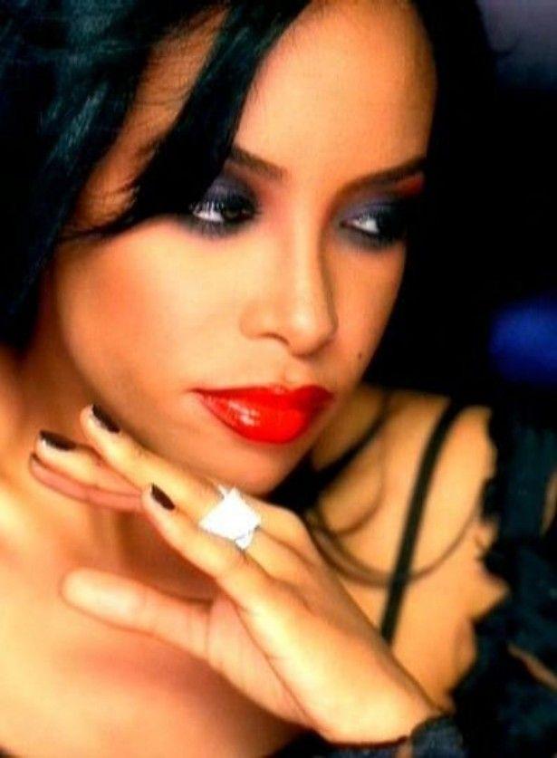 Singer Aaliyah R.I.P.