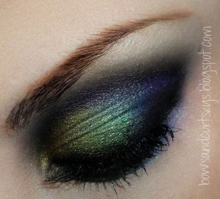 dramatic...or as I call it....everyday makeup: Makeup Tutorials, Oil Slick, Eye Makeup, Dramatic Eye, Northern Lights, Beautiful, Peacocks Colors, Hair, Peacocks Feathers
