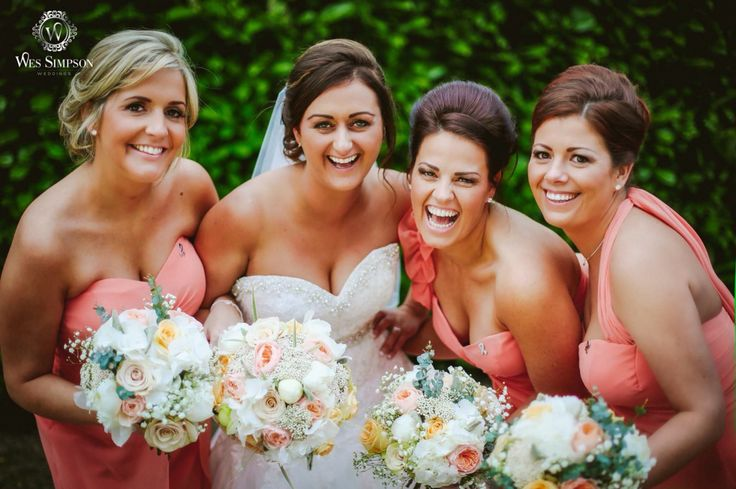 Beautiful photo of bride and bridesmaids xxx