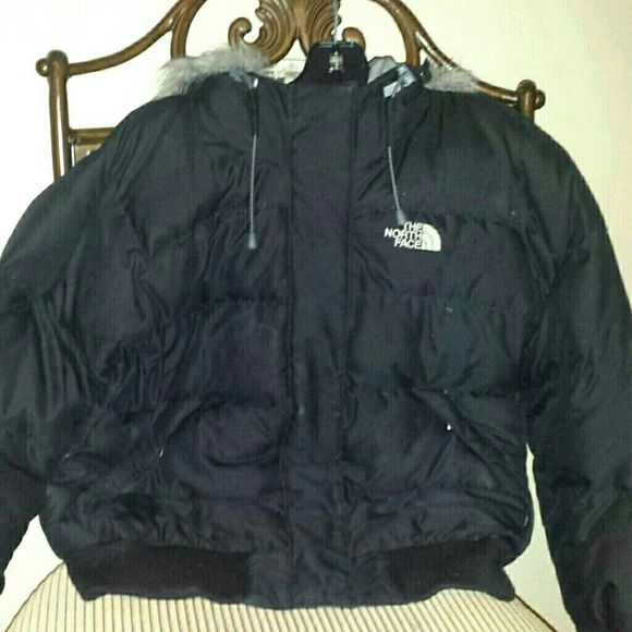 North Face Winter Coat Size Small North Face 550 down puffer jacket  Size Small Serious Inquiries Only Only defect is the right arm that's been professionally stitched North Face Jackets & Coats Puffers