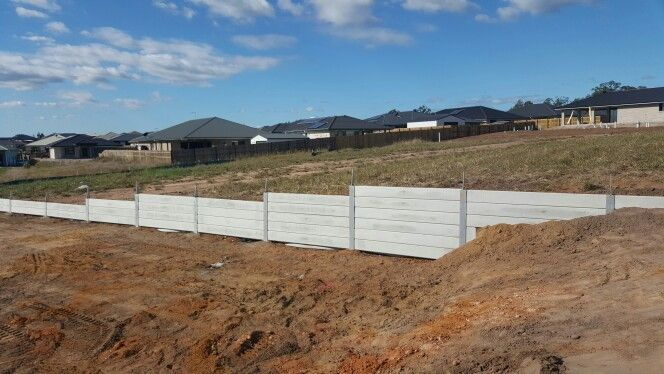 Retaining wall 15.05.15