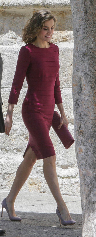 Queen Letizia - Felipe Varela burgundy layered dress, Mbubag ostrich skin handbag, Coolook earrings