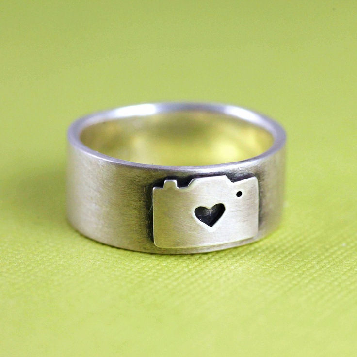 Camera Love Ring in Silver, via Etsy.     Me+Photo=<3 It has been a very long time since I have wanted a ring but this is amazing