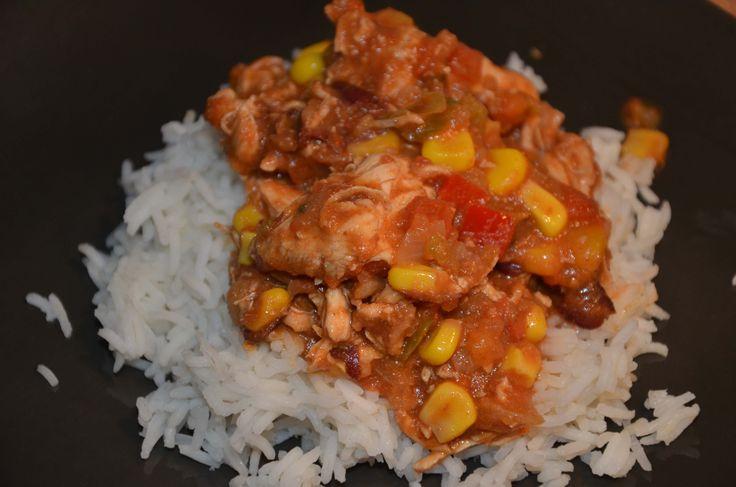"""Voilà l première recette que je teste dans mon nouveau livre cooking chef """" Recettes légères et gourmandes"""": les blancs de poulet à la mexicaine. Résultat:"""