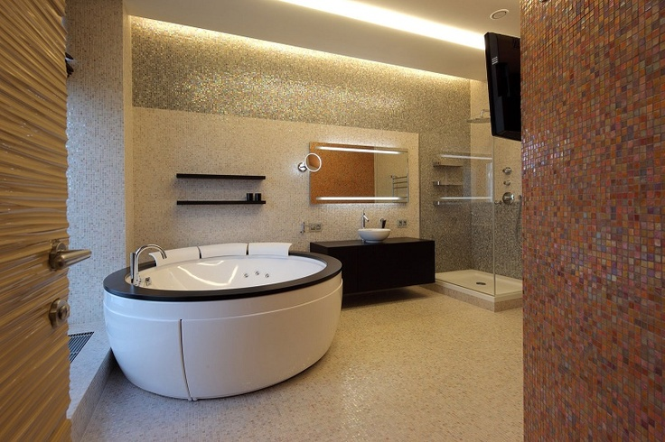 5 of the World's Most Luxurious Bathrooms  http://www.21articles.com/Article/1163/5-of-the-Worlds-Most-Luxurious-Bathrooms