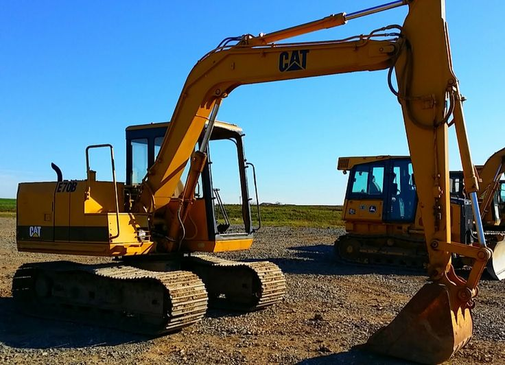 Caterpillar E70B Midi Cat Excavator for sale at www.quesalesinc.com for $15,999.00