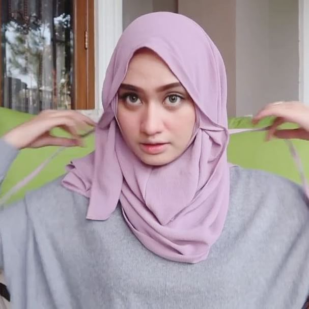 my another fav instant hijab from @lecheeboutique 💜