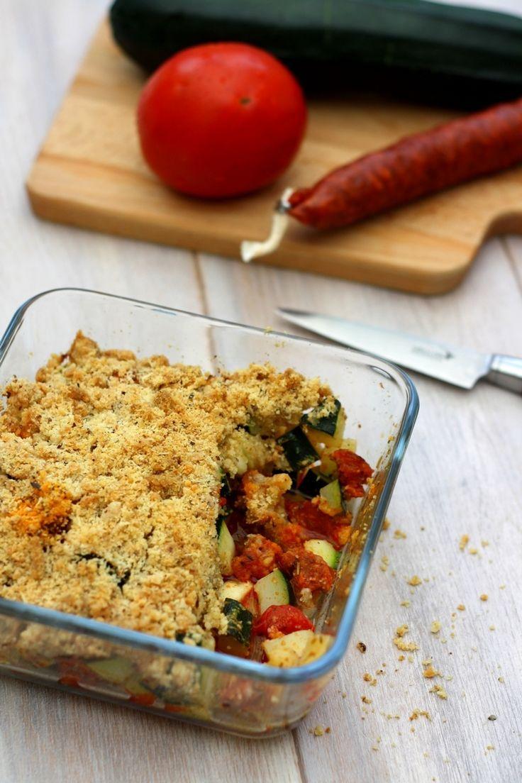 Un crumble salé aux légumes de saison : courgette et tomate, associé au chorizo…