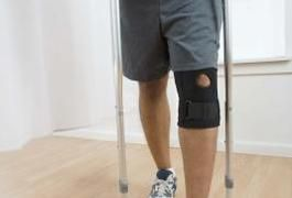 How to Keep Fit When Using Crutches | LIVESTRONG.COM