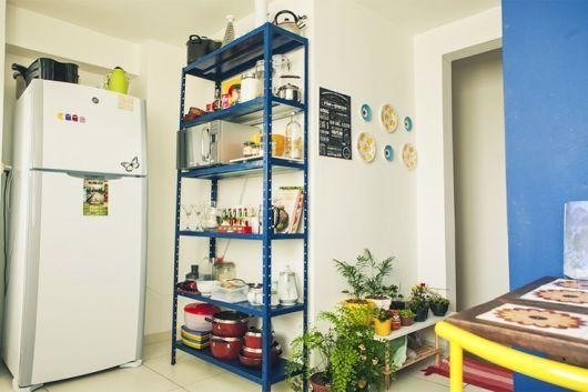 Dica de organização para a cozinha – Prateleiras de alumínio ou inox