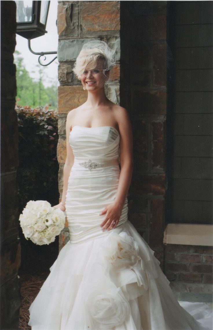 Wedding dresses for athletic figures   best Wedding Dress images on Pinterest  Wedding frocks