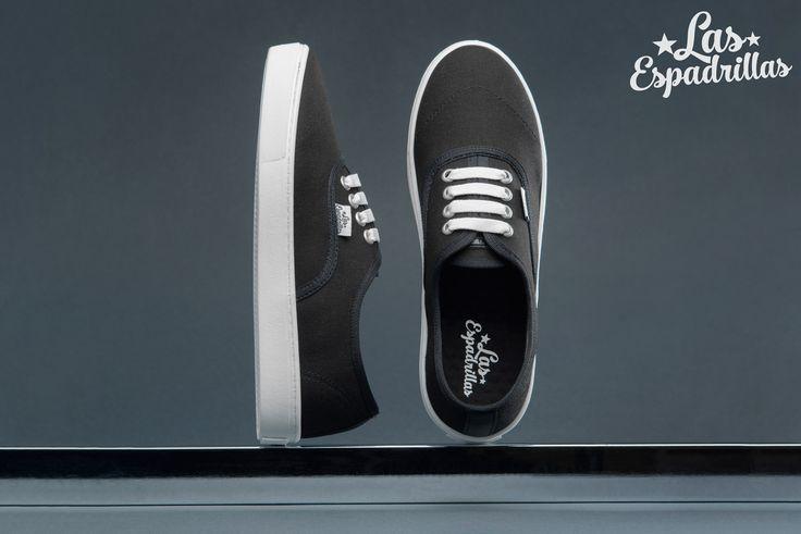 Черные кеды Las Espadrillas с белой подошвой. #brand #kedoffnet #kedoff #shoes #footwear #lasespadrillas #fashion #fashionista #new #style #urban #modern #colorful #look #lookbook #fall #awesome #kick #kicksonfire #kickstagram #vscocam #vsco #sneakers