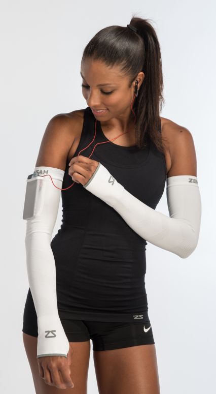 The perfect storage pocket in a compression arm warmer. Get your dance on the run