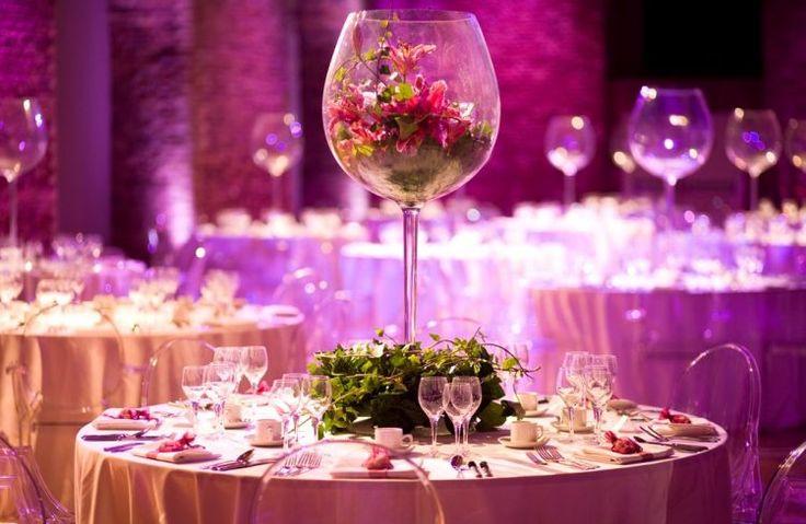 Картинки по запросу стол жениха и невесты большие  шары