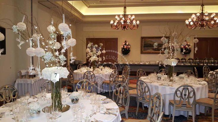 Ανθοστολισμός χριστουγεννιάτικου γάμου στο Hotel Grande Bretagne #lesfleuristes #λουλούδια #ανθοσύνθεση #ανθοπωλείο #γλυφάδα #γάμος #βάφτιση #νύφη #δεξίωση