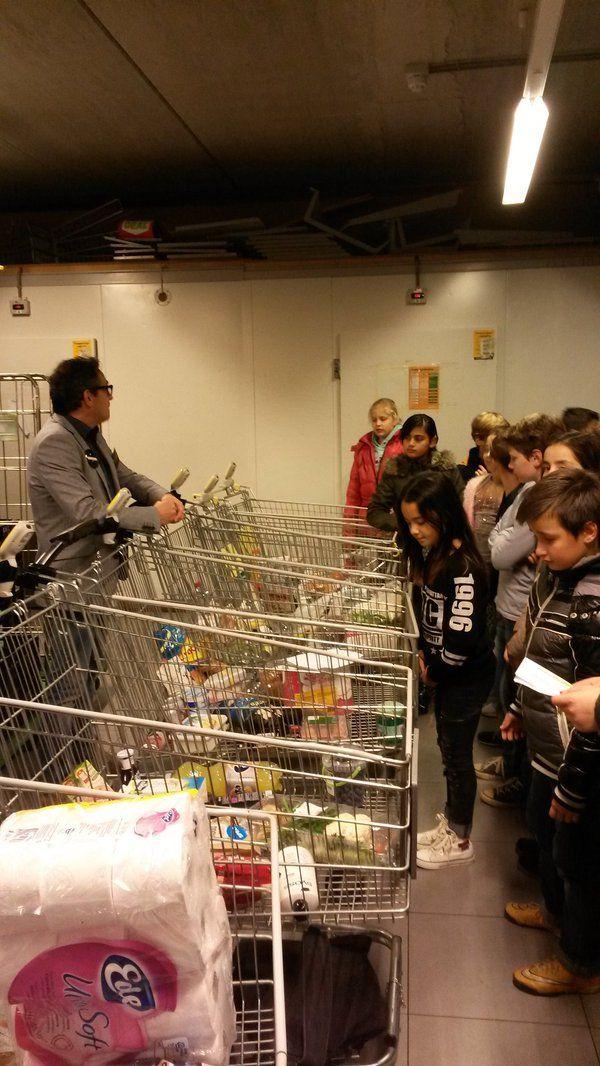 T Startblok | groep 7 winkelt in de jumbo als een bepaald soort consument: lui, hip, rijk, zuinig, gezond
