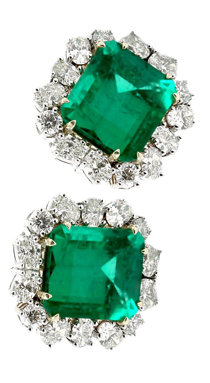Emerald and diamond earrings~ exquisite! Precious jewels...