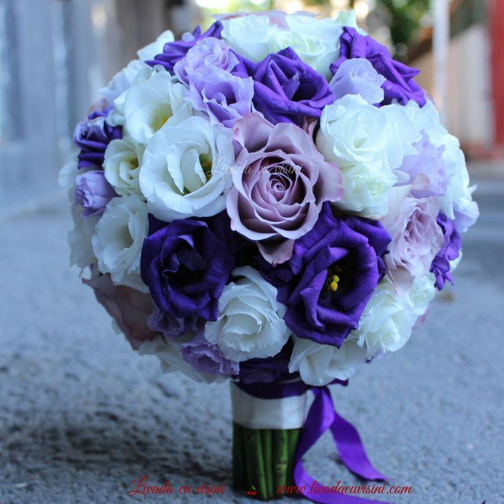 #colors #purple #flowers #bride #bouquet #madewithjoy #paulamoldovan #livadacuvisini #buchet #mireasa #nasa #nunta #cununie #trandafiri #roses #round #design #floraldesign