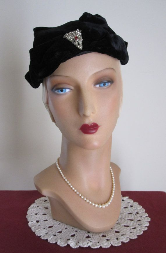 SALE Reba 1930's Black Velvet Evening Hat with от TheMadHatLady