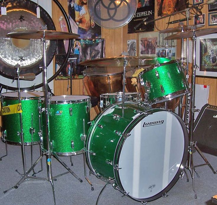 John Bonham Green Sparkle Ludwig Drum Set Kit.... I want a kit just like this