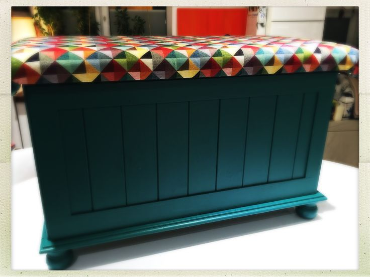 Heavy pine ottoman painted in Fusion's Renfrew Blue & Cranberry with a padded top featuring geometric fabric.