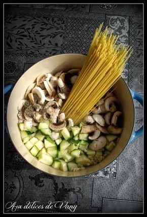 Le one pot pasta (ou one pan pasta) vous connaissez ? Des recettes venues tout droit des U.S.A fleurissent sur la blogosphère depuis quelqu...