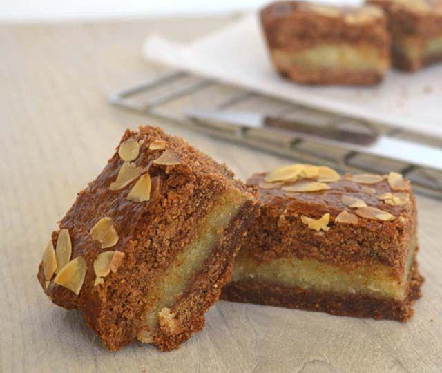 Gevulde speculaas, één van mijn favoriete sinterklaas lekkernijen! Een licht knapperige korst, lekker kruidig door de koek- en speculaaskruiden en die zachte, volle smaak van amandelspijs…hmm! Lees snel het recept.