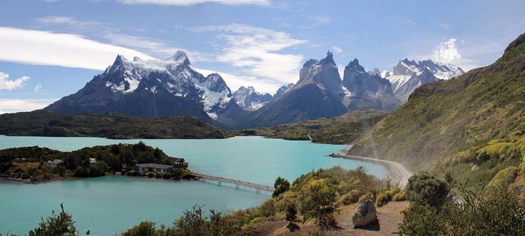 Vista del #ParqueNacional #TorresDelPaine, #Patagonia #Chile http://www.reservarhotel.com/chile/hoteles-en-torres-del-paine/ #reservarhotel