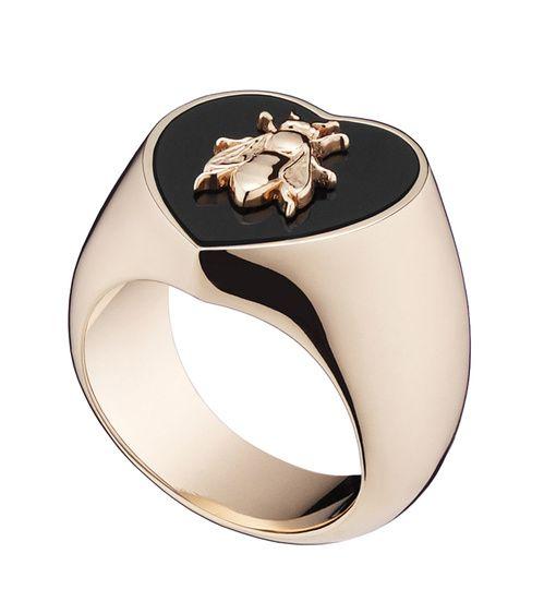Chevalière Lucky Abeille de Dior en or rose et onyx