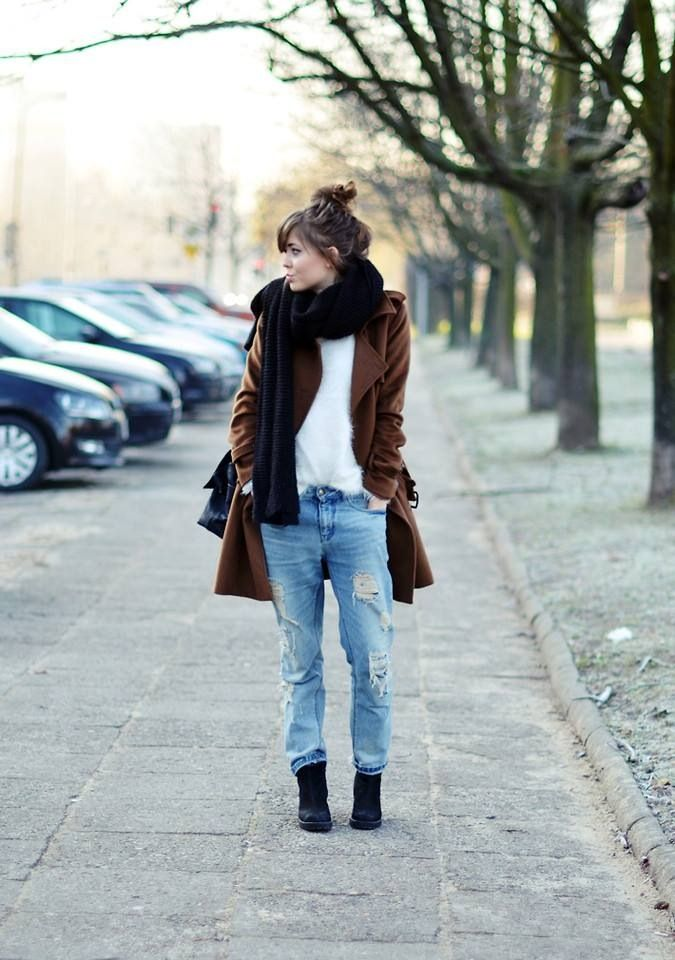 cute outfit: boyfriend jeans + baggy sweater + scarf + wedges