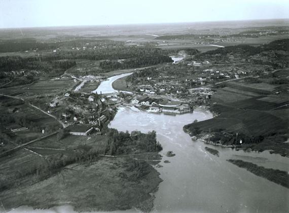 Vantaanjokilaaksoa 1920-luvulla. Kuva Helsingin Kaupunginmuseo.