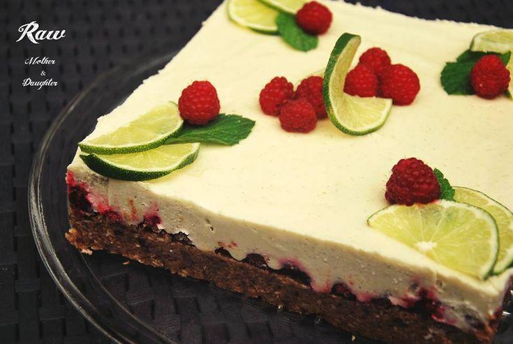 Mama má rada osviežujúce kyselkavé torty. Tak vznikla raw limetková torta.