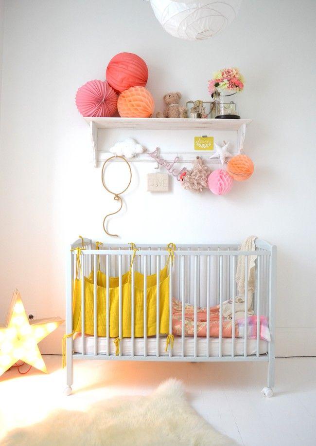 les 25 meilleures id es de la cat gorie chambre b b jumeaux mixte sur pinterest fabriquer. Black Bedroom Furniture Sets. Home Design Ideas