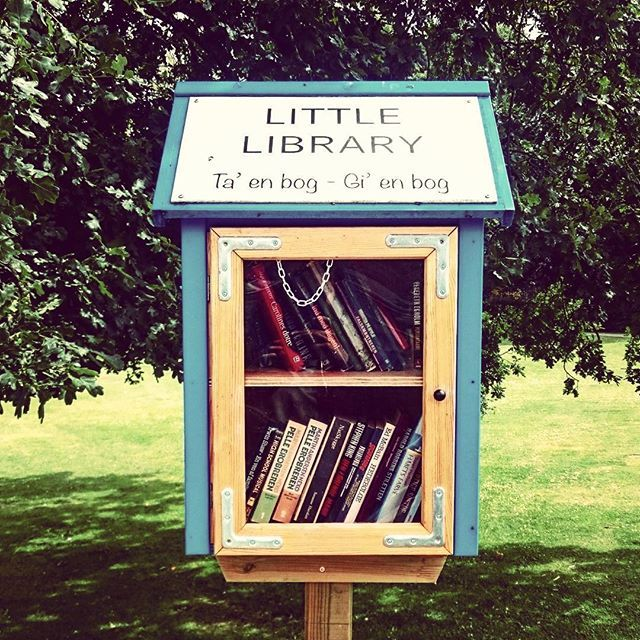Great initiative in the city of H.C. Andersen. You want to read something new but you are to lazy to go to the library or too cheap to buy a new book? There is a solution for you in one of Odense's parks: Little Library  1. Take  2. Replace  3. Read  4. Repeat  #library #books #read #bookswap #exchange #share #Odense #visitodense #hcandersen #trip #Park #box #Denmark #visitdenmark #swap #initiative #green #wow