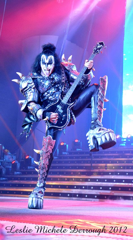 KISS, Motley Crue & The Treatment at the Cynthia Woods Mitchell Pavilion in Houston. 2012