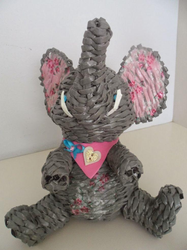 Wicker Land Reni: Paper wicker elephant.