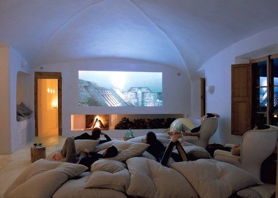 If you prefer a lot of pillows, this home theater idea is for you. #design #interiordesign