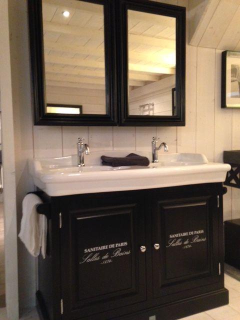 17 beste afbeeldingen over badkamer op pinterest toiletten kranen en ijdelheden - Klassieke badkamer meubels ...