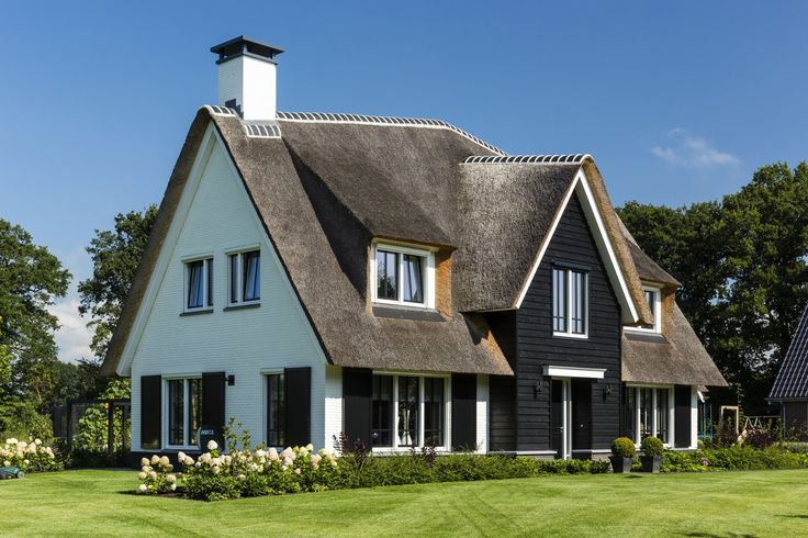 Landhuis wit gekeimd linkerzijde landhuis te wierden pinterest villa 39 s en ramen - Chique landhuis ...