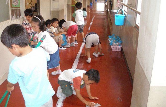 Πως μαθαίνουν οι Ιάπωνες μαθητές να σέβονται το σχολείο τους και τον εαυτό τους…
