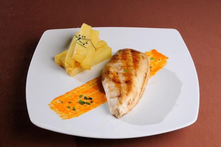 GUSTARE CALDA- Piept de pui la gratar cu cartofi si rozmarin*