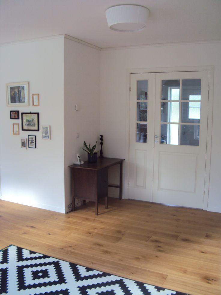 schwedenhaus atle blick von der k che zur eingangsdiele baub ro s d der akost gmbh. Black Bedroom Furniture Sets. Home Design Ideas