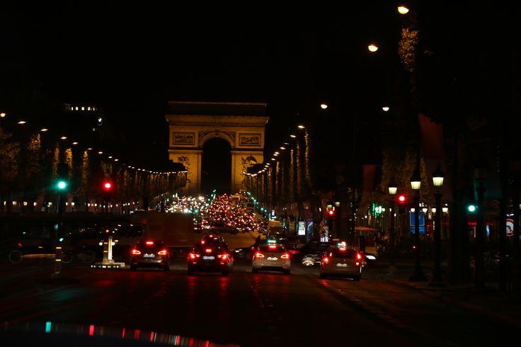 El catalejo de Charly | Escala en París rumbo a Canadá - El catalejo de Charly