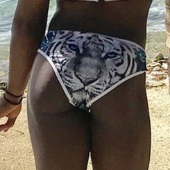 Celeb Beach Buns -- Guess Who! Photos | Photo 1 | TMZ.com