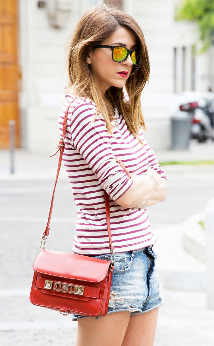 SHORT DI JEANS & T-SHIRT A RIGHE - CASUAL OUTFIT FASHION BLOGGER ITALIA