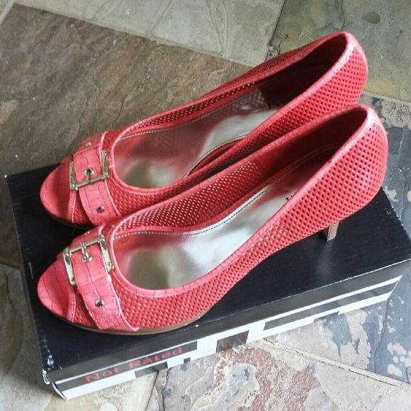 Alfani coral sandals Coral color with comfortable fit worn only a couple of times Alfani Shoes Sandals